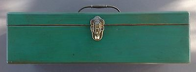"""Vintage Painted Pine Toolbox 20"""" wide, 3 Partitioned Compartments, Latch"""