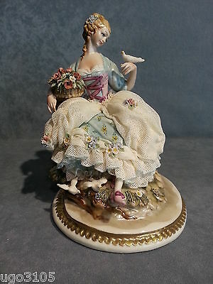China Capodimonte LADY DOVES version small. Lace porcelain