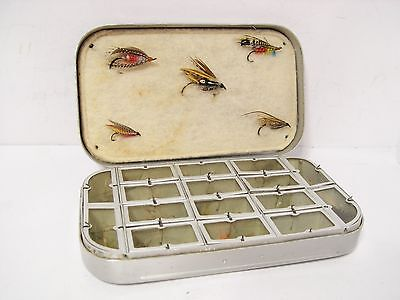 Vintage Wheatley 16 x Compartment & Dampening Fly Box With 34 x Trout Flies