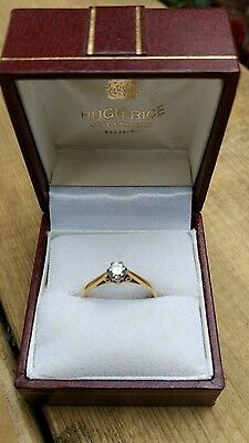 pre-owned Ladies 9ct gold diamond solitaire engagement ring