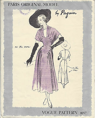 1949 Vintage VOGUE Sewing Pattern DRESS B32 (1262) By 'Paquin'