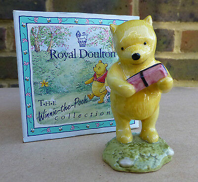 ROYAL DOULTON Winnie the Pooh and the Present Figurine WP18