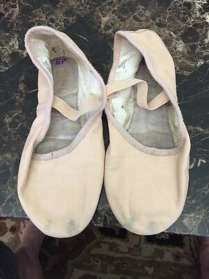 Bloch Girls Ballet Shoes Size 5.5/6 Preowned