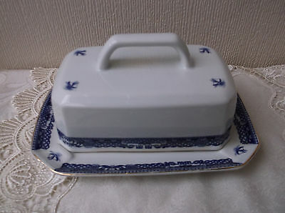 Ringtons Willow Butter dish / produced by Wade Ceramics - England