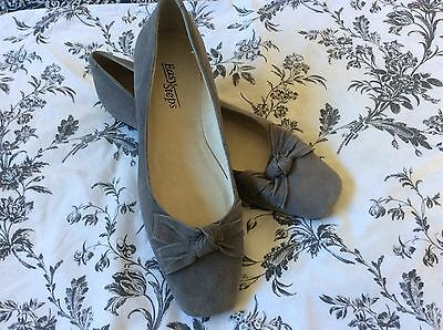 Ladies EASY STEPS Flat Suede Shoes Size 9