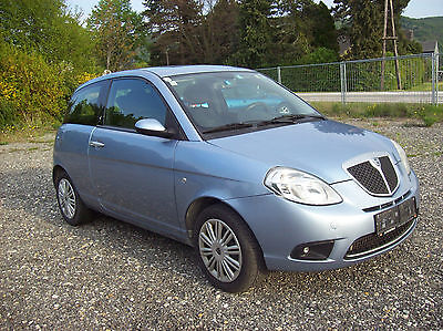Lancia Ypsilon,Bj:2009,blau,Zv,Servo,Klima,Doppelairbag,Radio-CD,neues Pickerl