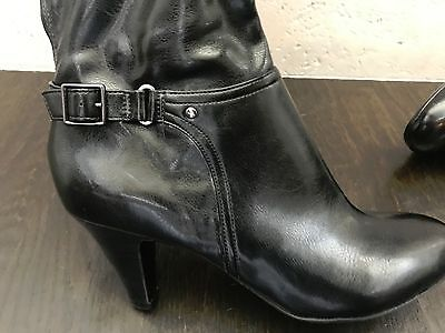 Women's Black leather Naturalizer wide mid-calf boots size 8 1/2