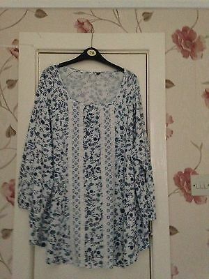 Ladies 3/4 Sleeve Floaty Top Blue / White Size 22
