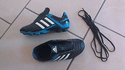 chaussures de foot / crampons adidas 33
