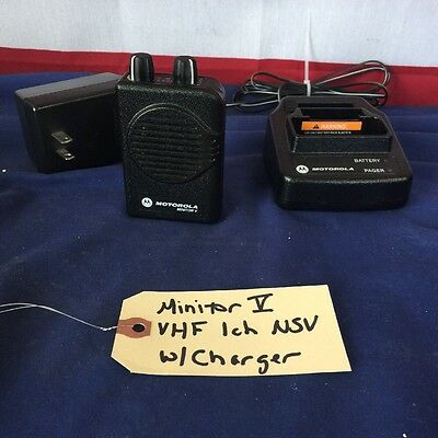 Motorola Minitor V (5) VHF 151-158.9975 MHz 1 channel NSV Pager w/Charger
