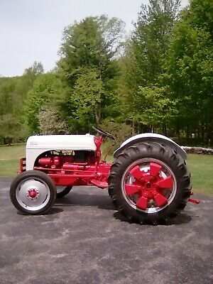 Ford 641 Workmaster Farm Tractor
