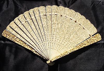Antique Chinese hand fan Hand Carved  XVIII  th