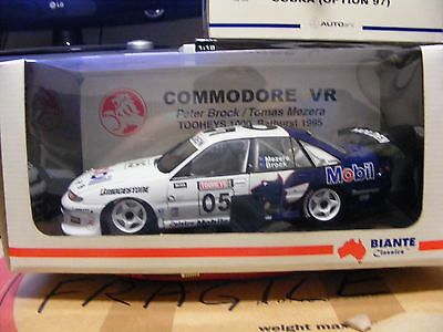 Biante 1 18 Scale Peter Brock Collection VR Commodore 1995 Bathurst