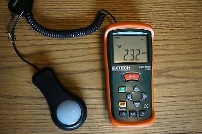 Extech Instruments Light Meter LT300 Works Great