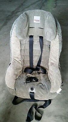Safe and Sound CONVERTIBLE car seat 0-4