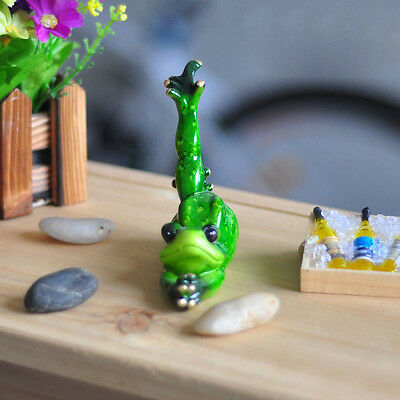 Novelty Cute Frog Figurines--Yoga Green Frog Resin Sculpture Desk Decoration 014