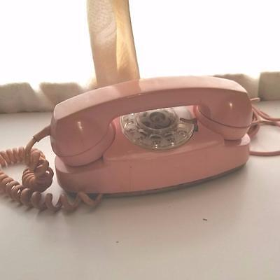 vintage pink princess dial telephone old retro phone Bell System with cord