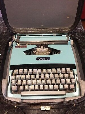 Vintage Portable Pacific Typewriter & Case.. Teal Blue. Needs Repair.. Will Post