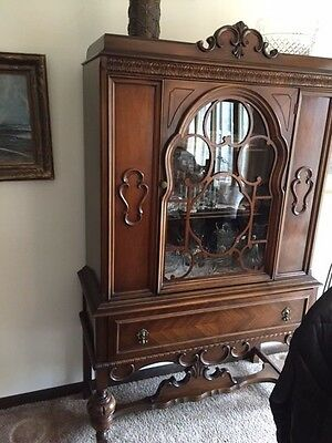 Antique  Early 1900's  Walnut Dining Room Set, Hutch, Table, 6 Chairs, 3 Leaves