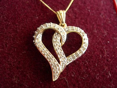 """BOXED 9k SOLID GOLD & 0.25 ct DIAMOND HEART PENDANT ON 16"""" 9ct GOLD CHAIN 2.6g"""