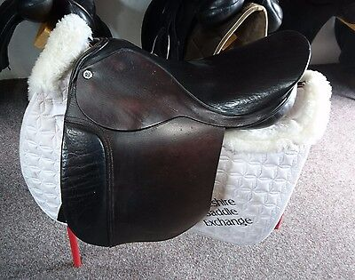 "18"" Cliff Barnsby Showing saddle Med"