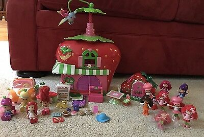 Strawberry Shortcake BERRY BITTY 4 DOLLS CAFE CLUBHOUSE Car, Accessories READ