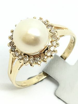 14K Yellow Gold Cultured Pearl And Diamond Ring 0.37Ct. 7.30mm 2.20Grams