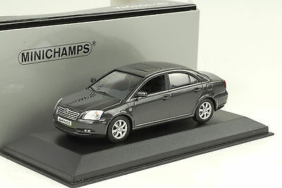 2003 2009 TOYOTA AVENSIS T25 Grey Metallic 1:43 Minichamps Dealer
