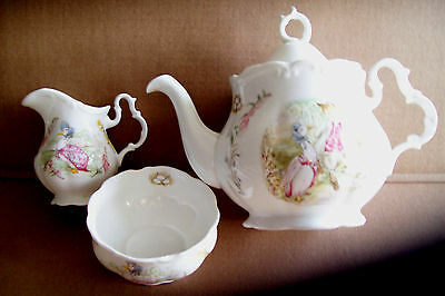 "COLLECTIBLE ROYAL ALBERT BEATRIX POTTER ""PUDDLE DUCK"" BONE CHINA TEAPOT 4pc SET"
