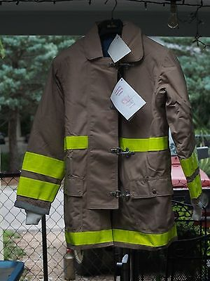 Globe Firefighter Suits: Fire Turnout Coat Bunker Gear 44/35 New With Tags