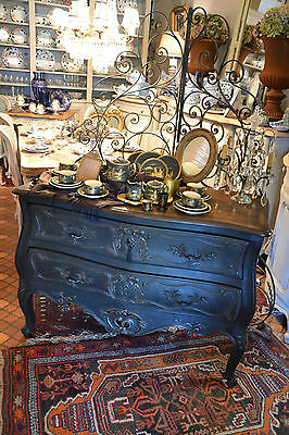 Splendide Commode Galbee Louis Xv Provencale Patinee A L'ancienne