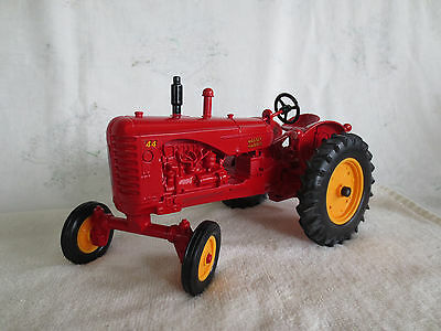 Vintage Ertl 1/16 Scale Diecast Massey Harris 44 Wide Front End Farm Toy Tractor