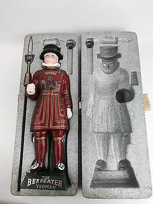 """Vintage Porcelain NIB Beefeater Yeoman London Dry Gin Ceramic Decanter 16"""" Tall"""