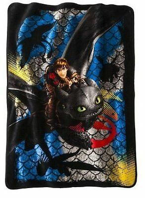 """How to Train Your Dragon 2 Dragon Scale Super Plush BLANKET THROW NEW 46""""by 60"""""""