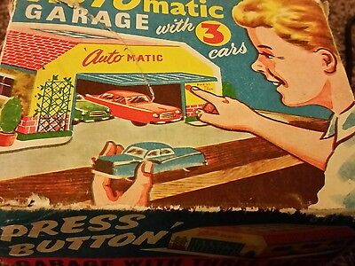 VINTAGE AUTOMATIC GARAGE with 3 cars and boxed  1950's TINPLATE RARE GTP 584
