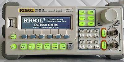 "Rigol DG1022 20MHz Function /Arbitrary Waveform Generator ""NICE"" & TESTED !!!!!!"