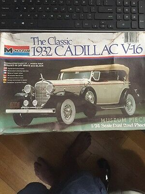 Monogram 1932 Cadillac V-16 1/24 Scale Model