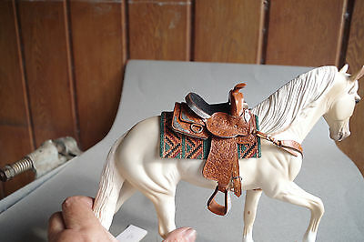 Gorgeous Western Saddle And Breastcollar For Model Horse
