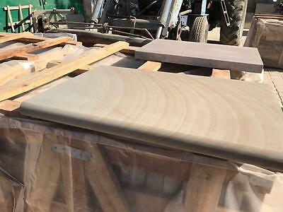 Santa Fee Smooth Sawn Bullnose Coping for Pools / Steps / Capping 600x400 mm