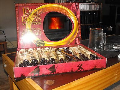 chess set lord of the rings two towers