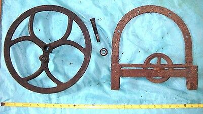 11'' WHEEL & Hay Trolley Primitive Cast Iron gear vintage barn Industrial Punk