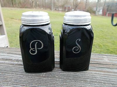 Vintage McKee Glass Ebony / Black Colored Glass Range Top Salt & Pepper Shakers