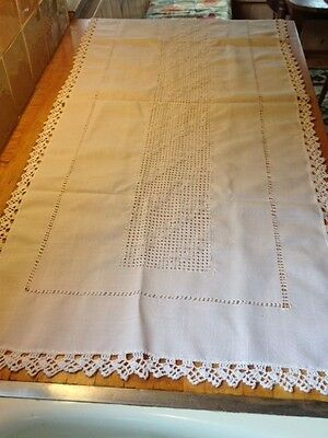 Beautiful antique linen table runner w/hand crocheted edge, basketweave pattern