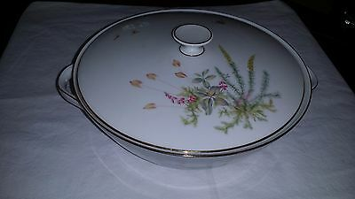 Gorgeous Favorit 8427 Bee Hutschenreuther Lidded 2 Handled Serving Bowl