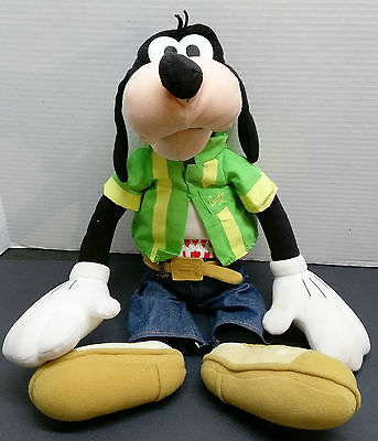 "2001 Goofy Make Me Laugh Talking Hand Puppet By Fisher Price 20"" Plush WORKS"
