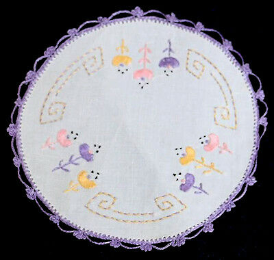 Pretty vintage lilac lace trim embroidered round linen doily 20cm