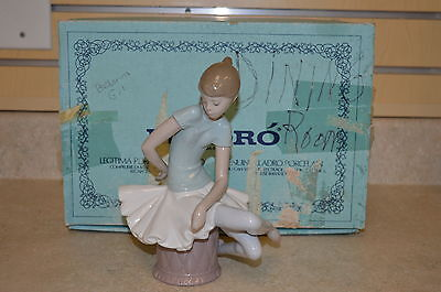 "Lladro #1360 "" Julia Ballet Blue"" Porcelain Figurine w/ Original Box"