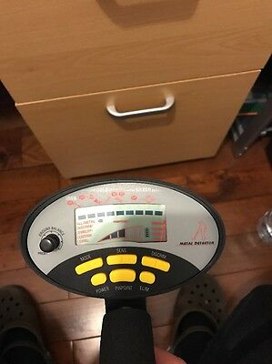 Professional Metal Detector with LCD display
