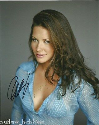 Evangeline Lilly The Hobbit Autographed Signed 8x10 Photo COA