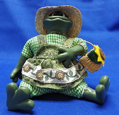 "Russ Berrie "" Mrs Garden Hopper "" Frog from the Country Frogs Collection"